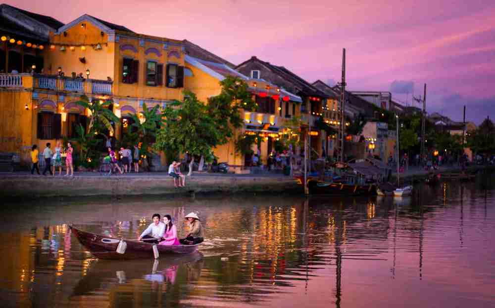 Best selling vietnam tour from hanoi to saigon via hoi an halong bay best selling vietnam tour for 11 days solutioingenieria Images